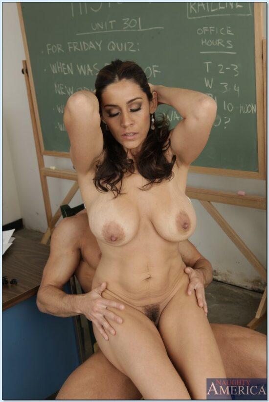 Professora com tesão transando na sala de aula