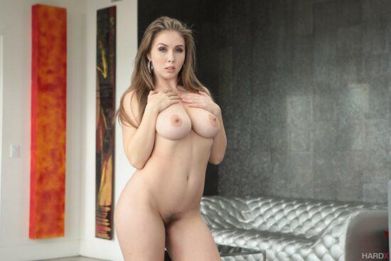 Puta da bunda gostosa fazendo sexo anal