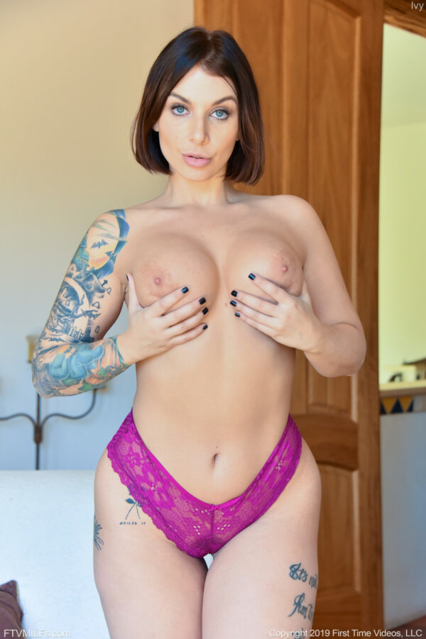 Fotos de gostosa tatuada pelada