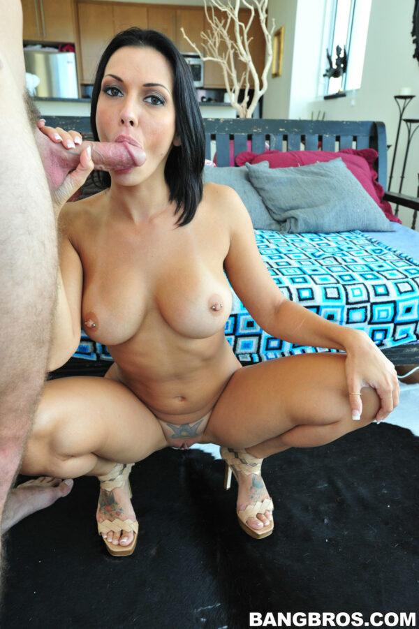 Mulher fazendo boquete gostoso