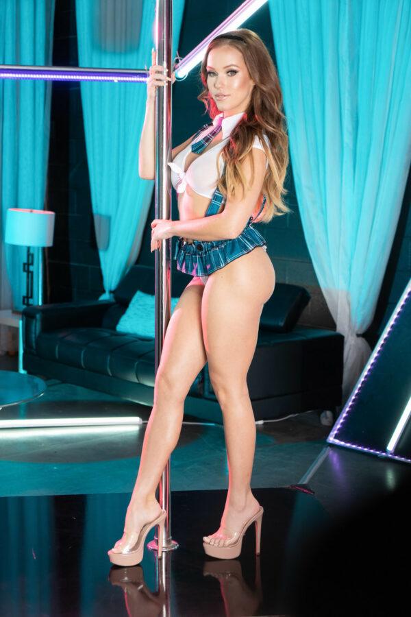 Stripper safada fodendo com cliente