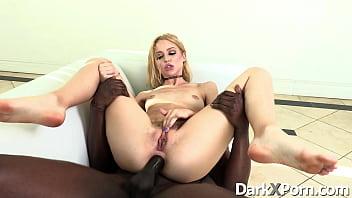 Xvideos sexo hardcore no cu da loirinha bucetuda